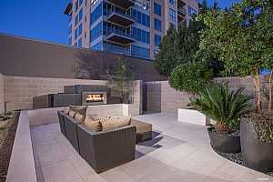 MLS # 5832012 : 15215 KIERLAND UNIT 304