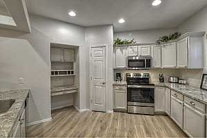 MLS # 5880352 : 11500 COCHISE UNIT 1067