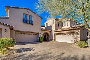 MLS # 5993462 : 20802 N GRAYHAWK DRIVE UNIT 1047