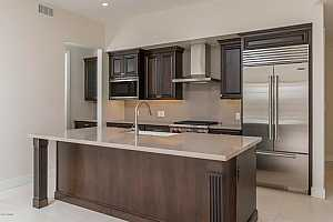 MLS # 5724029 : 6166 SCOTTSDALE UNIT B2001