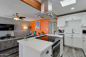 More Details about MLS # 6182278 : 7720 E HEATHERBRAE AVENUE #4