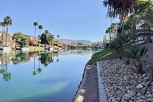 Browse active condo listings in SCOTTSDALE BAY CLUB