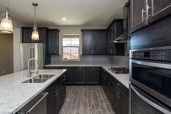 Photo #5 Stainless Steel Appliances