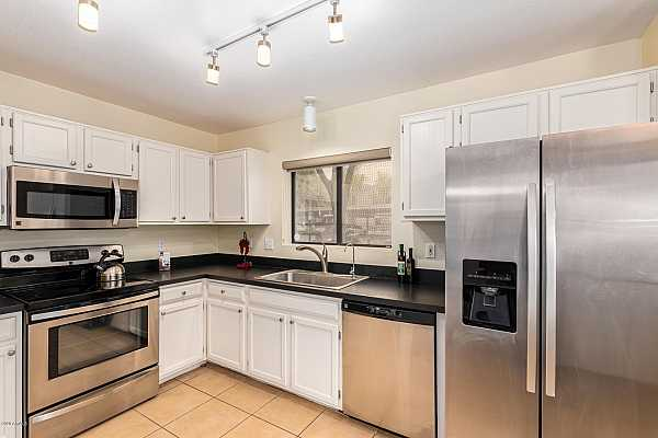 Photo #3 Stainless steel appliances